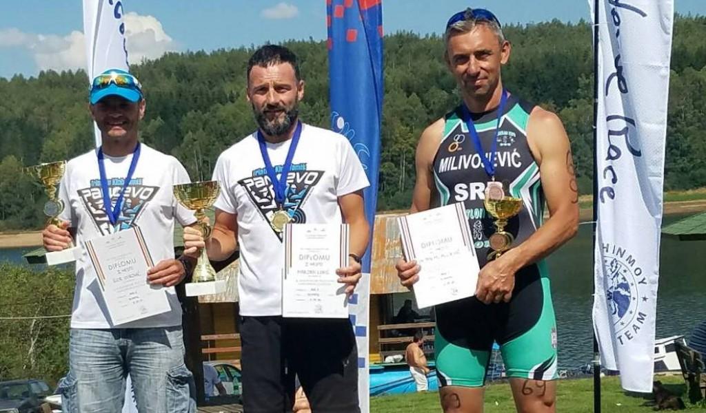 Војни триатлонци успешни на првенствима Србије