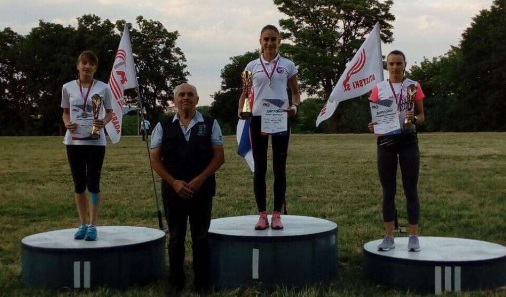 Капетан Невена Јовановић прва на 10 000м