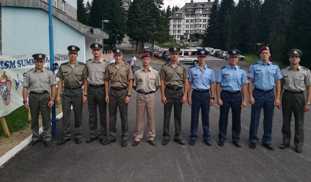 Екипа МО и ВС у војном пентатлону на припремама на Копаонику