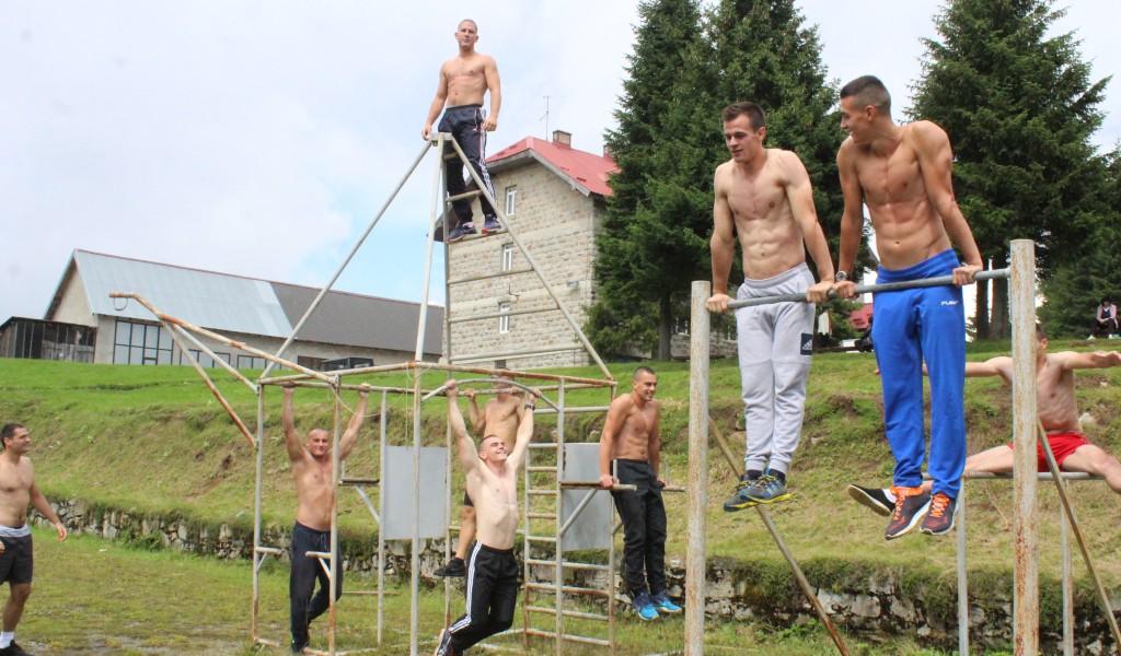 Војни пентатлонци вредно тренирају на Копаонику